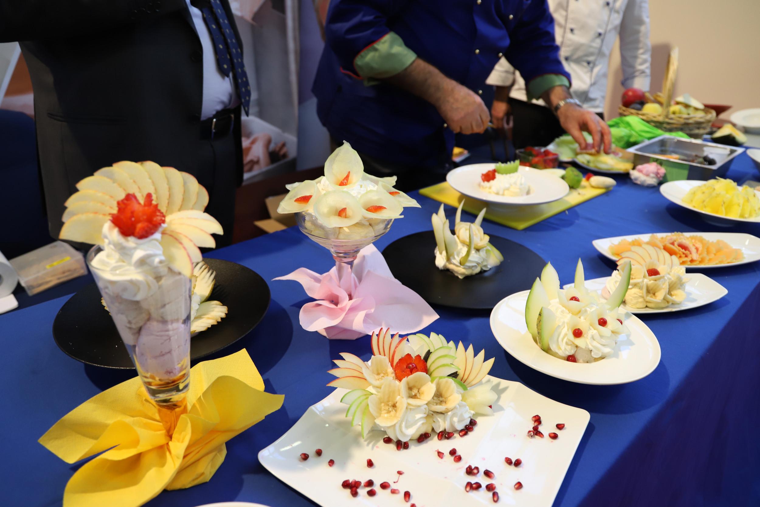 coppe gelato decorate con frutta da Beppo Tonon