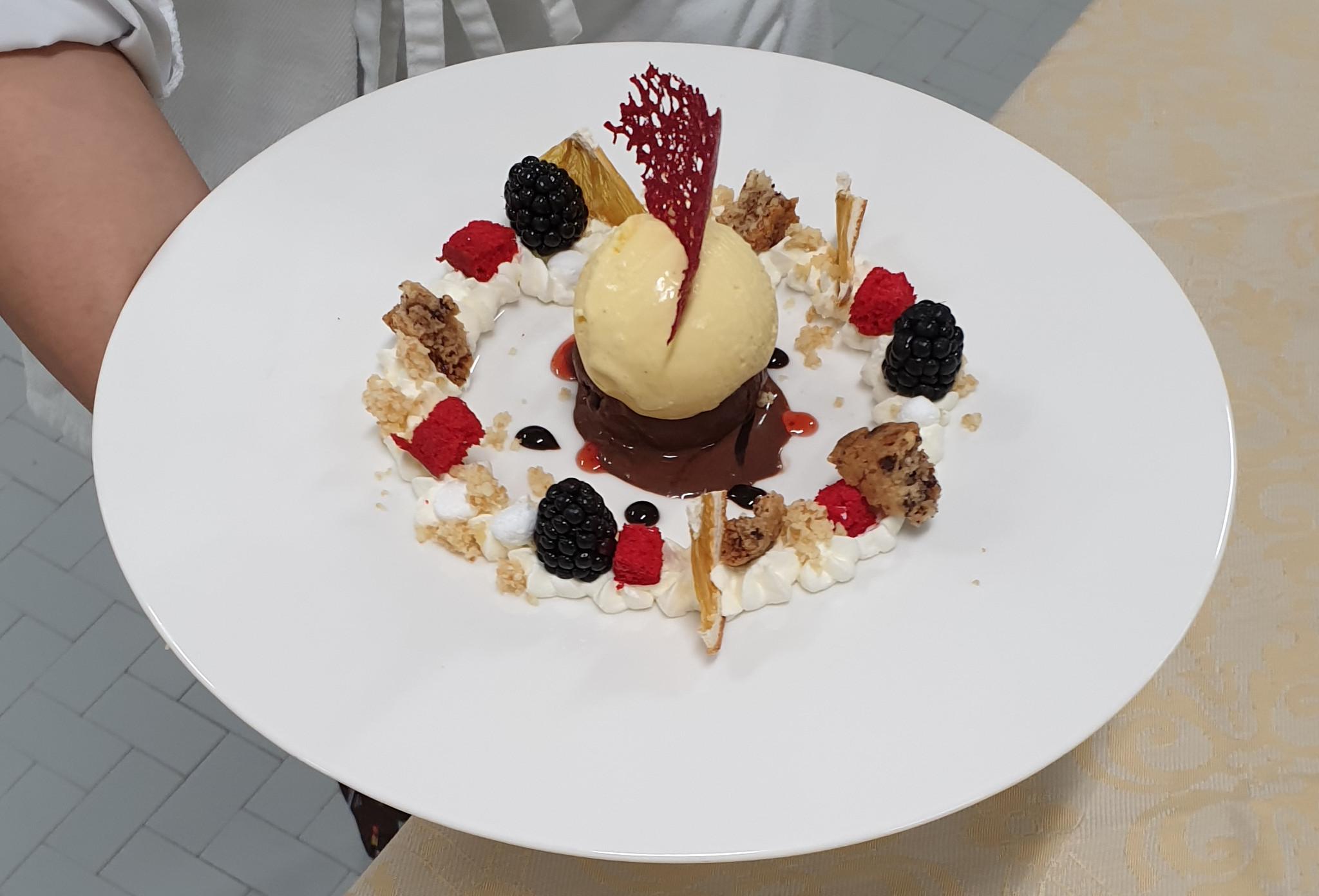 Gelato al piatto - Concorso Carlo Pozzi il gelato in passerella
